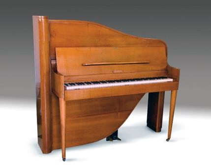 Antique Upright Piano, Rippen
